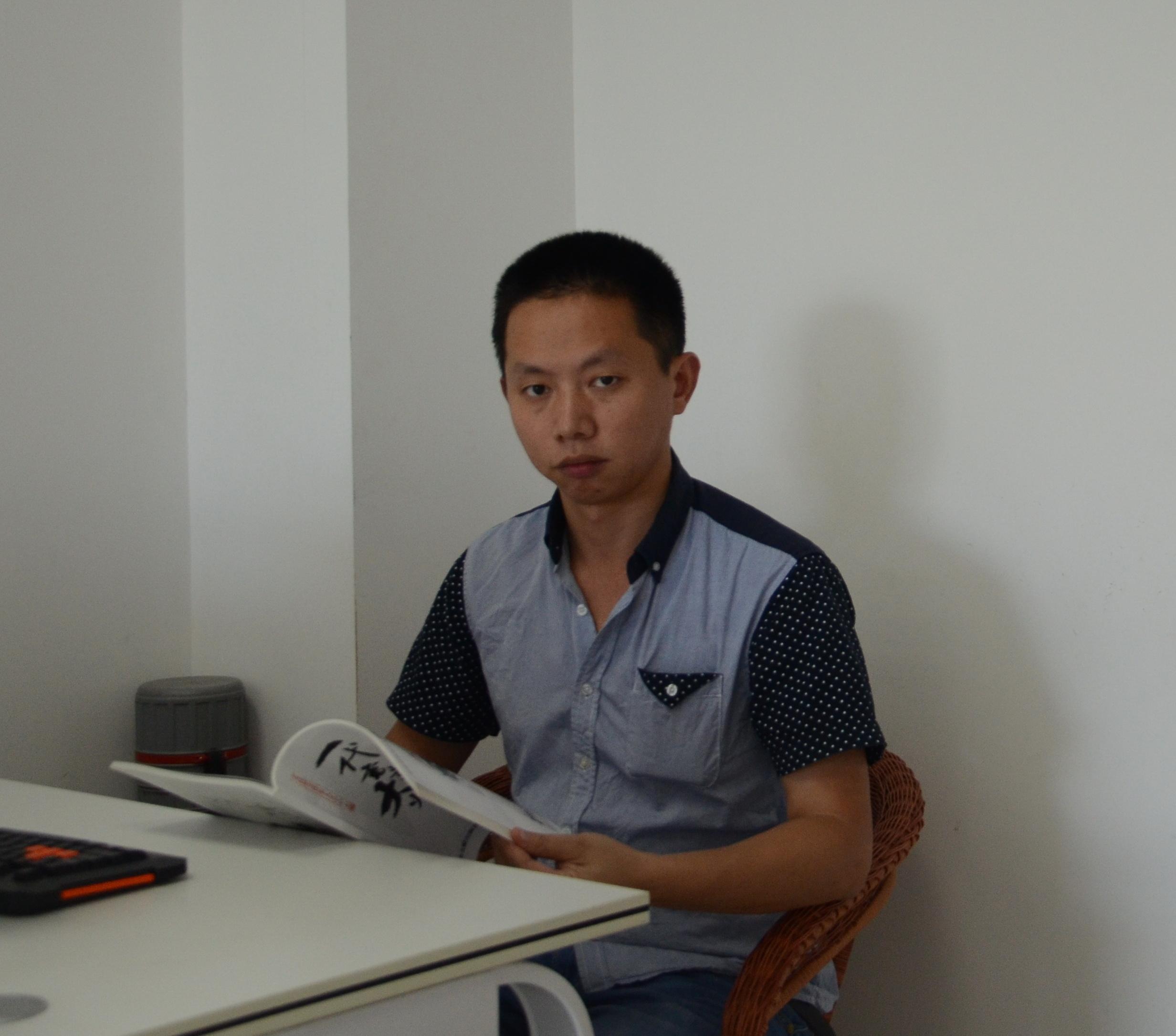 杜洪毅.jpg